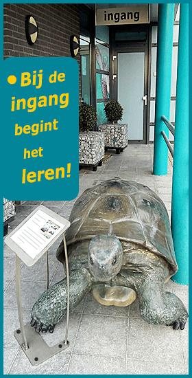 Bij de ingang van het Schildpaddencentrum begint het leren